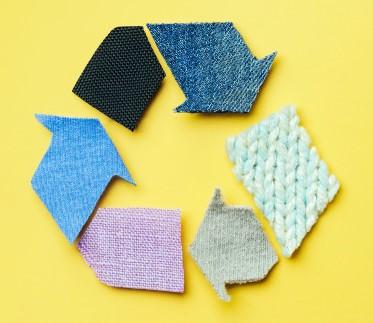 """Провеждане на начална  пресконференция по проект """"Демонстриране на система за разделно събиране на текстилни изделия, повторна употреба, подготовка за повторна употреба и изработка на килими от негоден за повторна употреба текстил"""""""